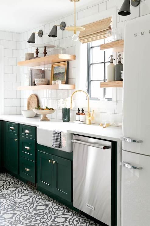 kitchen-design-trends-darker-kitchen-cabinet-2