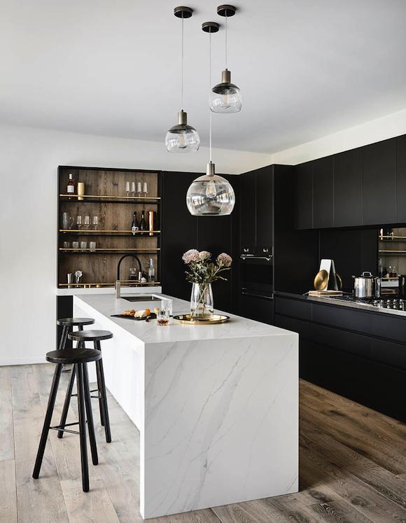 kitchen-design-trends-dark-kitchen-cabinet-4