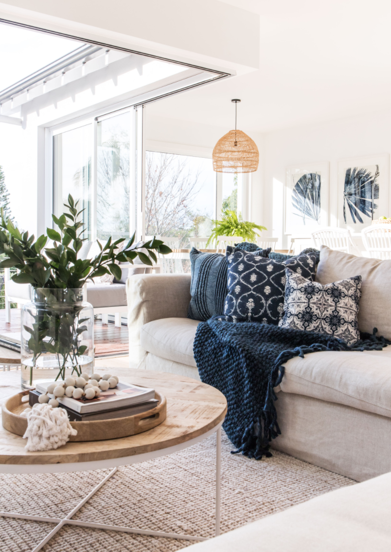 coastal_living_room_amanda_smythe